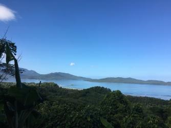 Blick über die Ulugan Bay