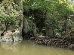 Höhlenverbindung des Flusses