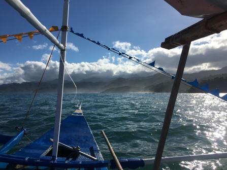Im Auslegerboot zum River
