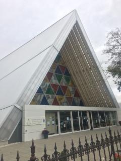Ersatzkathedrale Dachkonstruktion teilweise aus Pappe