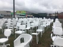 185 Leere Stühle