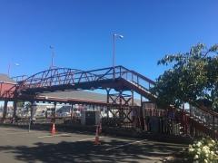 Fußgängerbrücke Bahnhof Dunedin