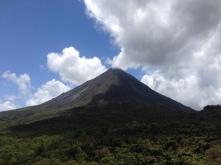 Wolken am Vulkan Arenal