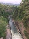 Orosi Stausee Abfluss