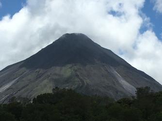 Lavahänge am Vulkan Arenal