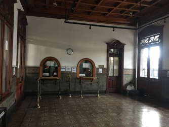 Schalterhalle im Atlantischen Bahnhof