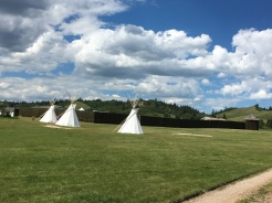 Tepee's der First Nations bei Fort Walsh